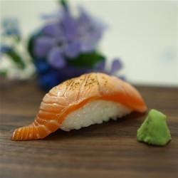 Nigiri losos Aburi 炙り寿司